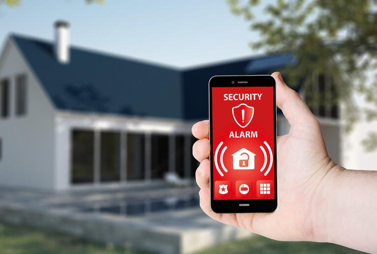 Wired Versus Wireless Alarm Systems