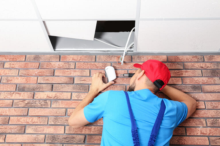 Alarm System Installation: 9 Reasons to Avoid DIY
