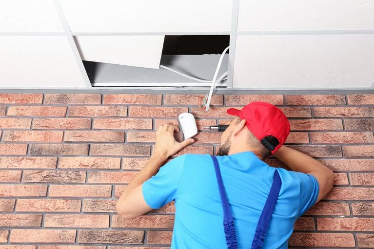 Alarm System Installation: 9 Reasons to Avoid DIY